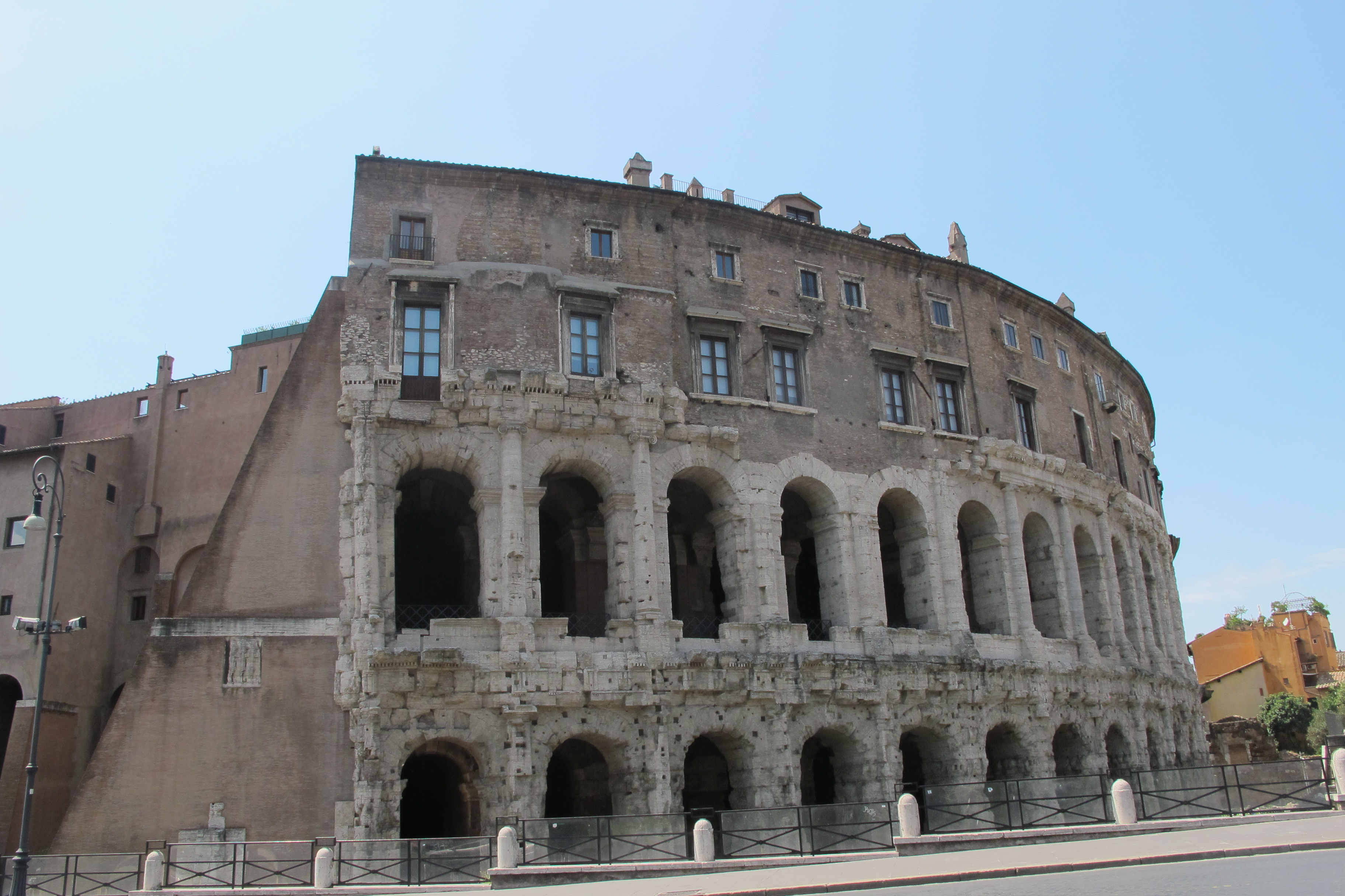 Hotels In Rome Near Tourist Attractions